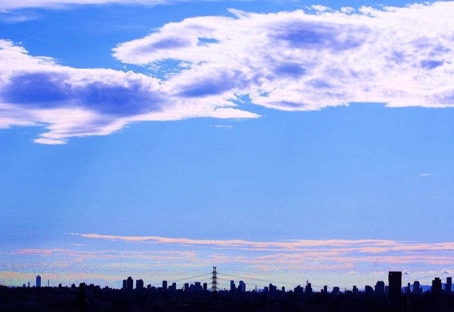 大阪の空に怪獣現る.JPG